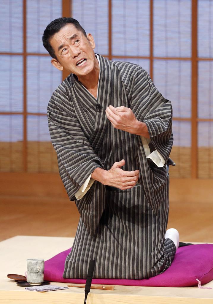 高座に復帰し、熱演する三遊亭円楽さん=11日午後、東京都千代田区の国立演芸場