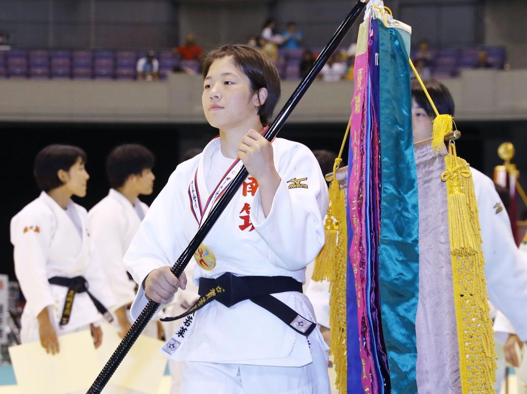 女子48キロ級で3連覇を達成した南筑・古賀若菜=鹿児島アリーナ
