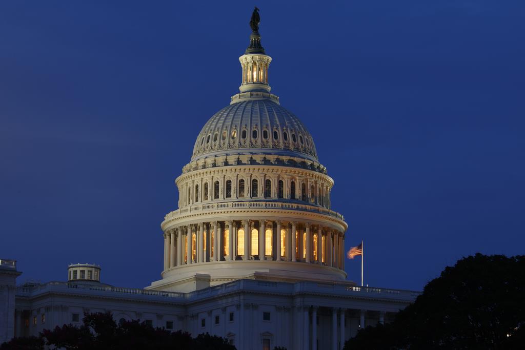 米財務省は7月の財政収支を発表した。写真は連邦議会議事堂=7月16日、ワシントン(AP)