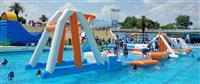 としまえんプールで救助の女児が死亡 浮き遊具の下に潜り込む 東京・練馬