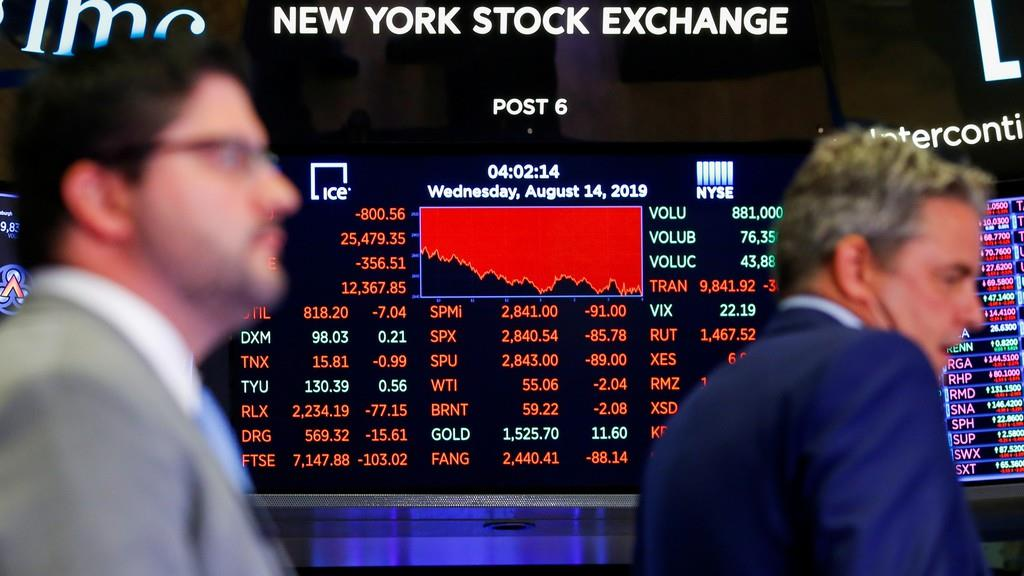 変動を告げる電光掲示=14日、ニューヨーク外為市場(ロイター)