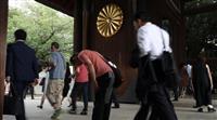「命が続く限り」靖国神社、参拝者が静かに祈り