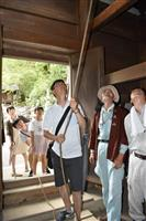 終戦の日に平和の願い鳴り響く 滋賀・大津の石山寺