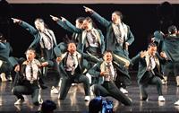【日本高校ダンス部選手権】インパクトで勝負、早着替えも 大阪府立摂津