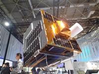 米中露覇権争いが生む「宇宙ごみ」を回収、川崎重工「お掃除衛星」のスゴ技