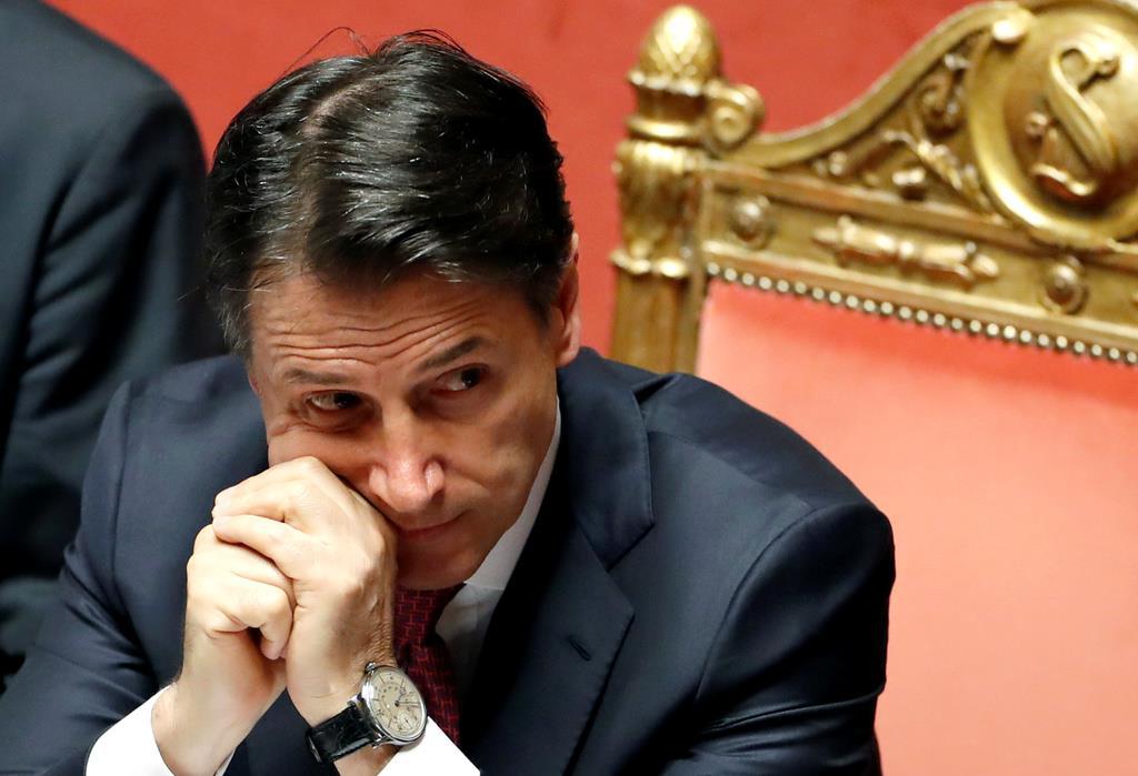20日、上院で辞意を表明したイタリアのコンテ首相(ロイター)
