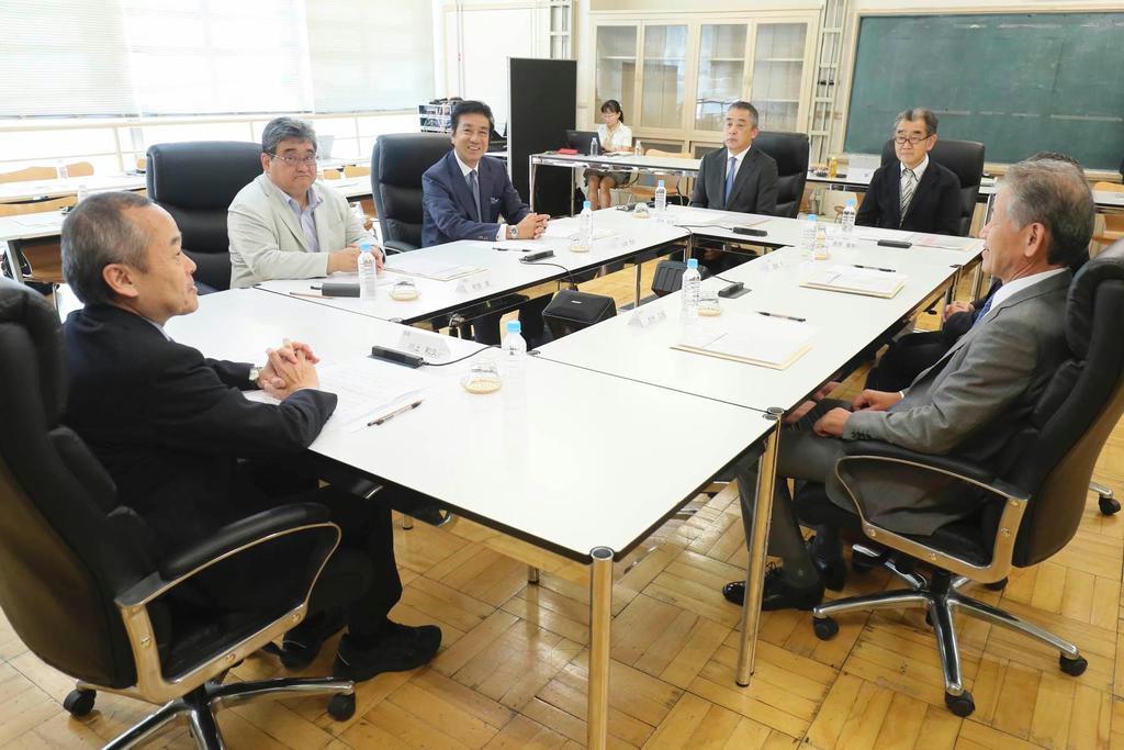 吉本興業 外部識者委が会合 反社決別へ不断の研修を