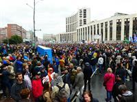 【ロシアを読む】高まる反プーチン機運 モスクワ市議会選で激しい抗議デモ