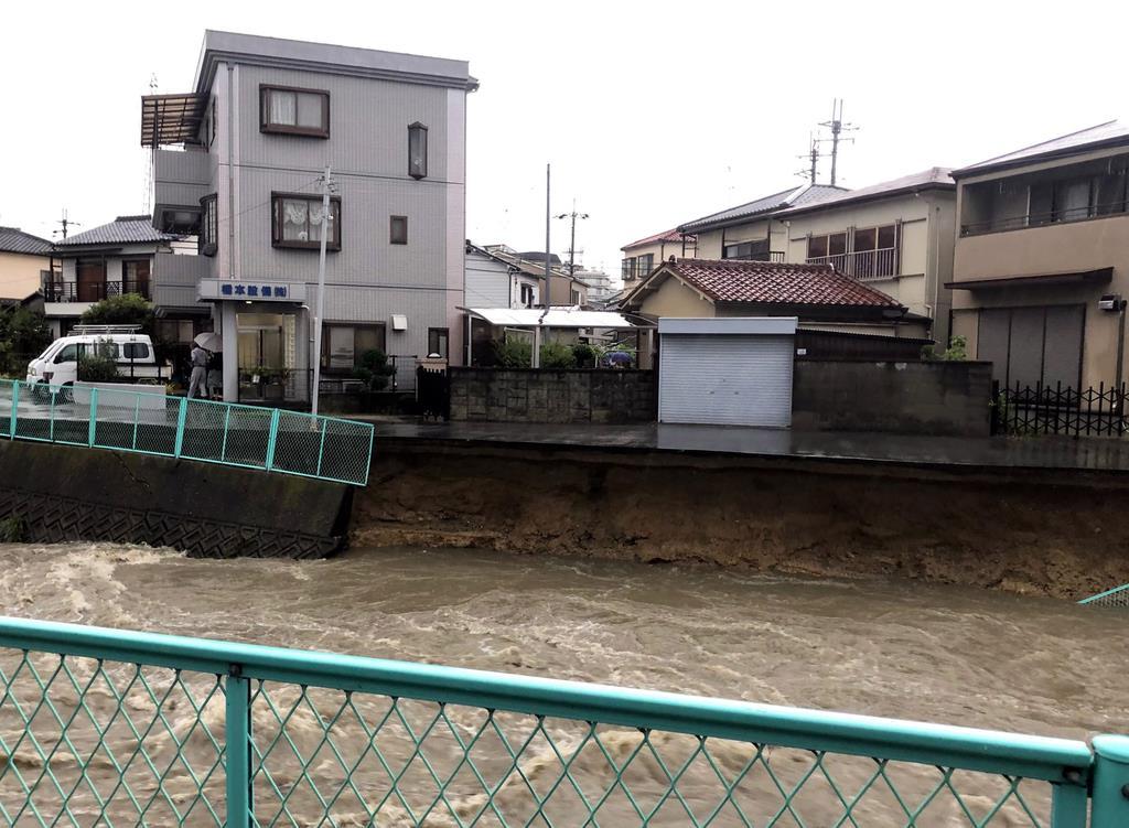 【動画】大阪・羽曳野の東除川、大雨で護岸崩落