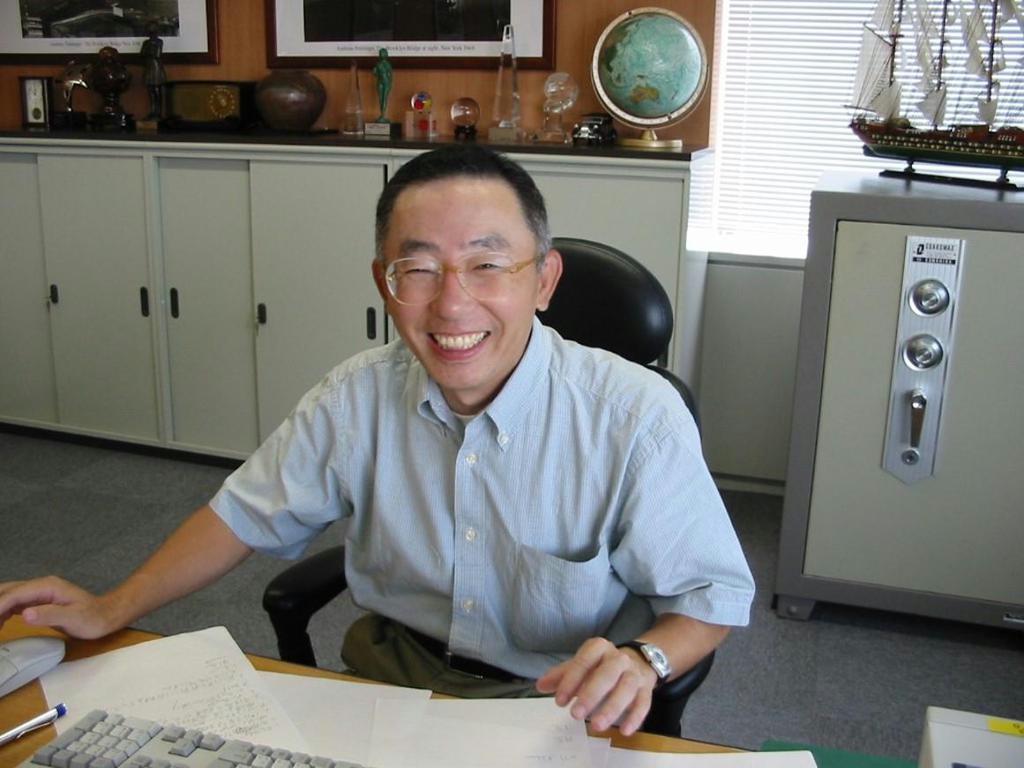 【話の肖像画】ファーストリテイリング会長兼社長・柳井正(70)(10)世襲はうまくいか…