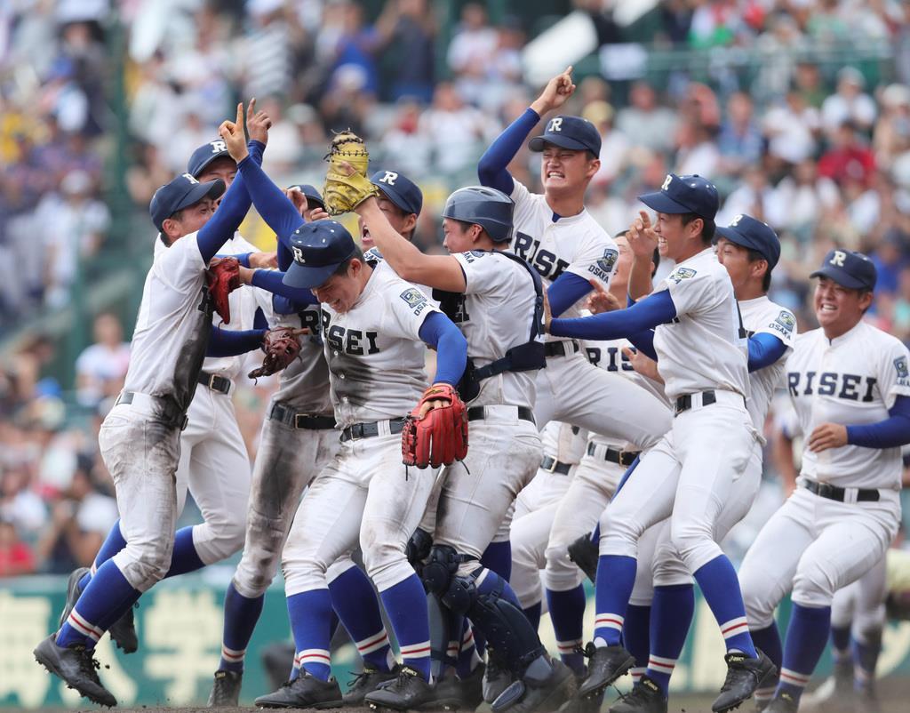 履正社が初優勝、星稜を5-3で破る 全国高校野球選手権