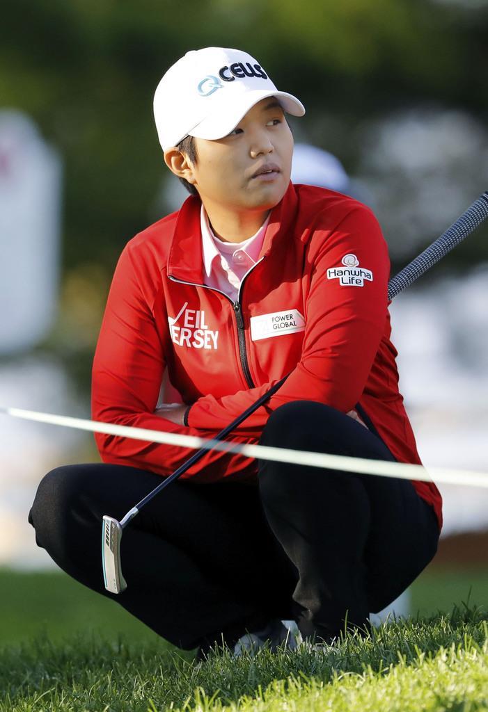 野村「痛くて話せない」 腰痛でまた棄権 女子ゴルフ
