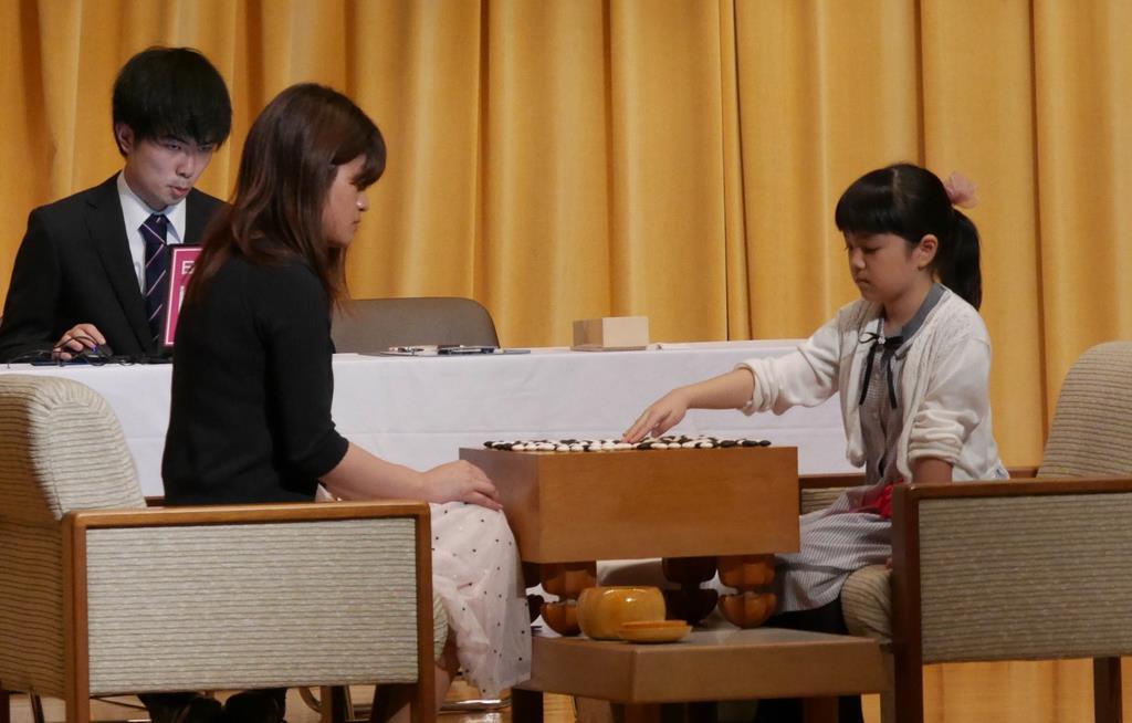 仲邑菫初段を藤沢女流名人が絶賛 広島市で公開対局