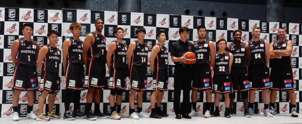 エヴェッサ新体制発表「バスケ界に追い風。大阪も盛り上げ」