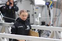 環境活動家のスウェーデン高校生、NY到着 ヨットで大西洋横断