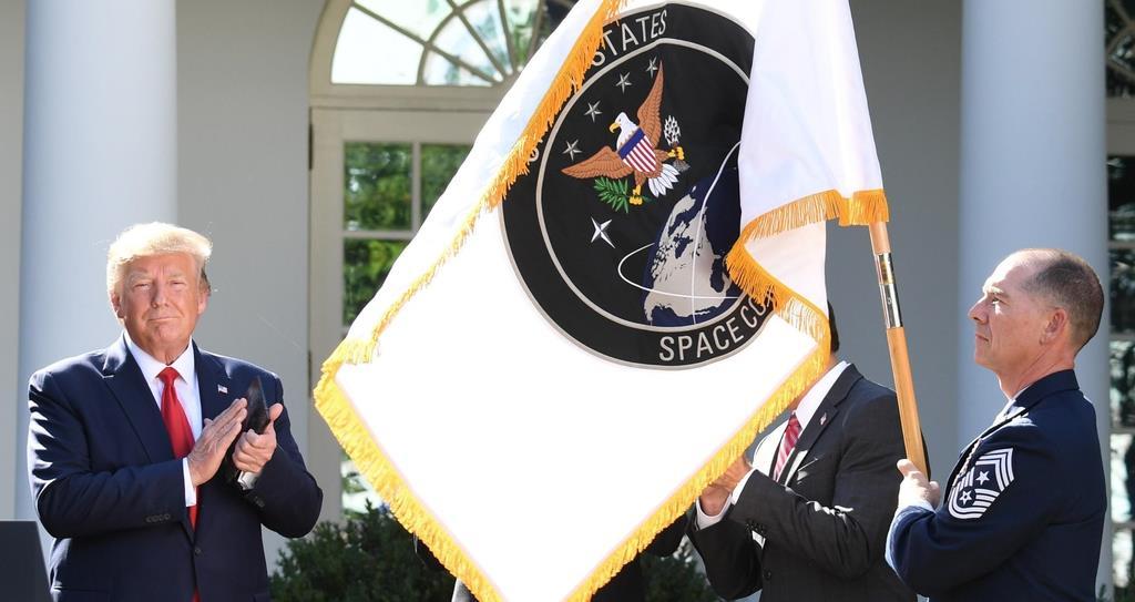 軍 アメリカ 宇宙