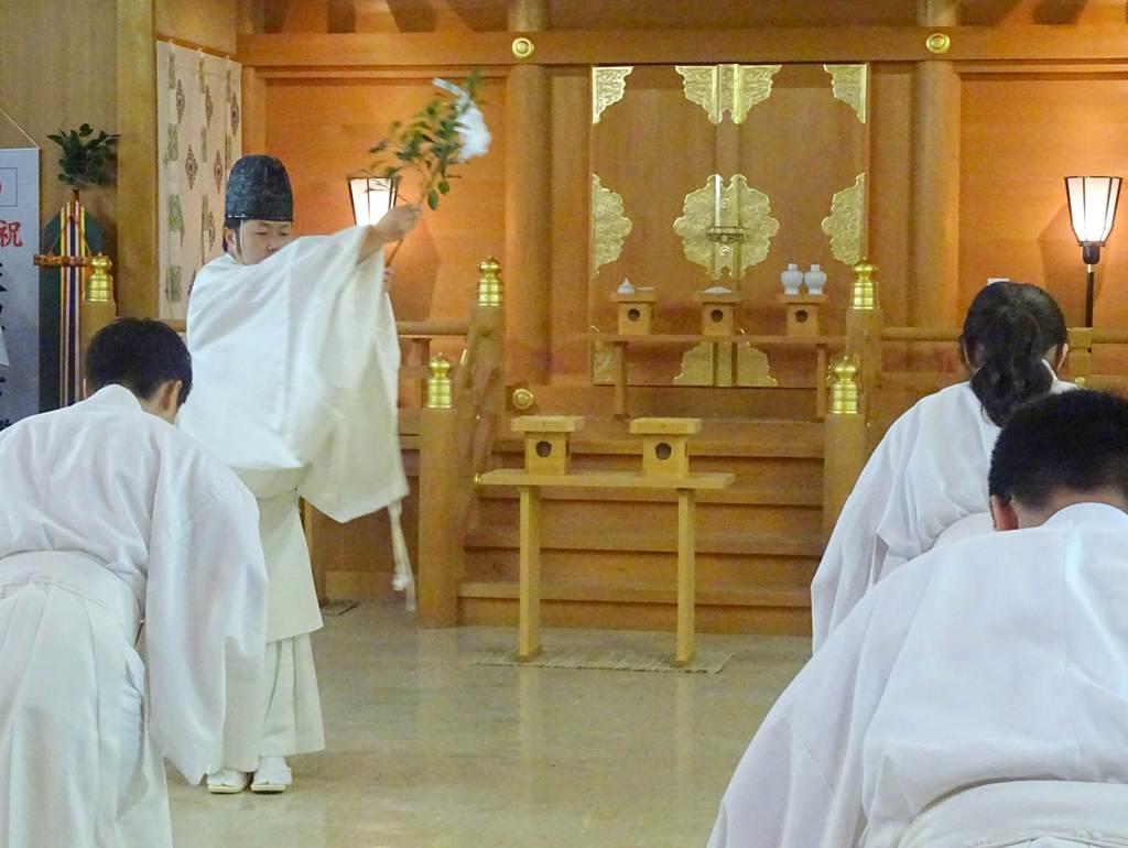 青年神職らが新時代の安寧を祈った「天下大祓」=30日、宇都宮市八幡台の県神社庁