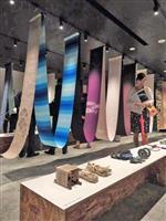 西陣織老舗の細尾が本社ビル改装 「美しい布」展示も