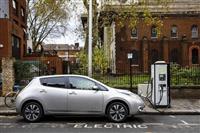 リチウムを巡る各国の戦略が、電気自動車の未来を左右する