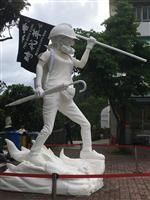香港で「民主の女神像」公開