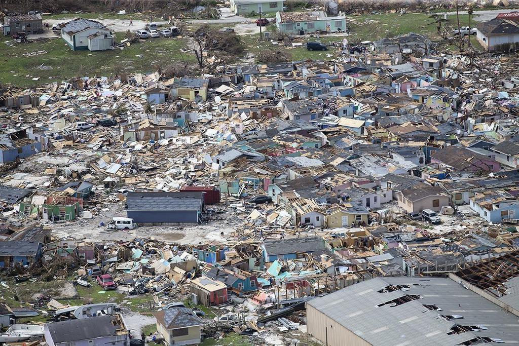 ハリケーンの被害を受けたバハマ北部の島=4日(AP)
