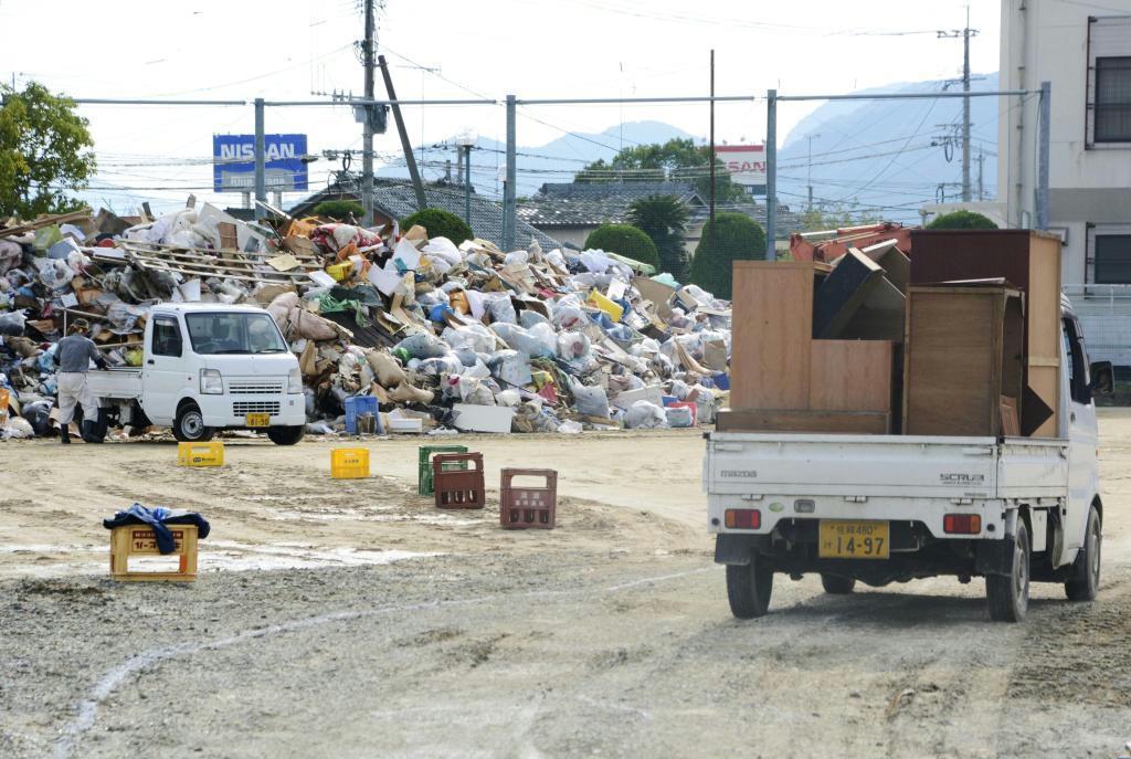 多くの災害ごみが運び込まれた佐賀県武雄市の仮置き場