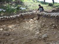 網野銚子山古墳、くびれ部の位置確認 京丹後市教委が調査