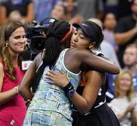 大坂を表彰 全米テニスで敗者へ気遣い 称賛集める