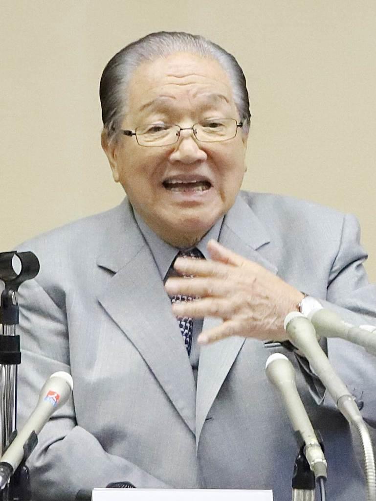 IR誘致に反対する会見を開いた横浜港運協会の藤木幸夫会長=8月23日、横浜市