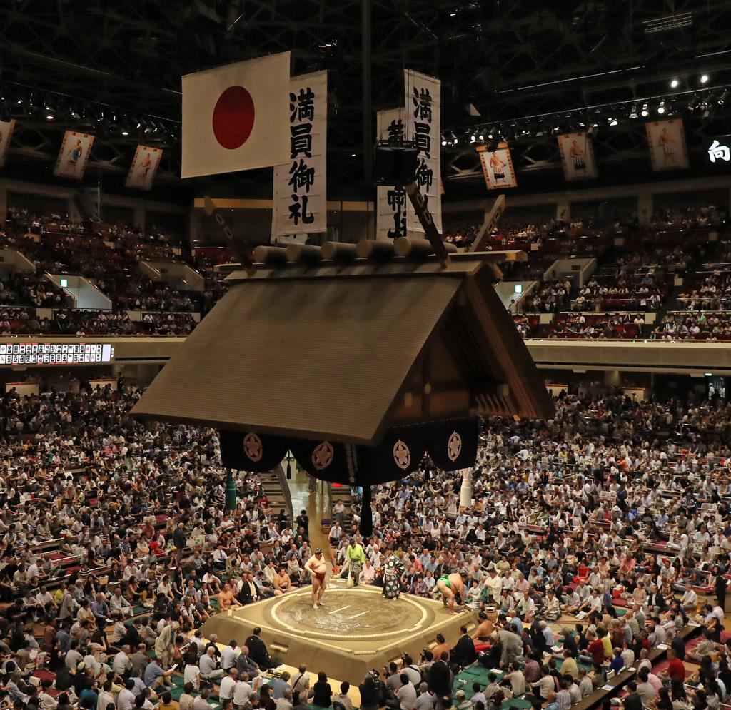 大相撲秋場所は取組開始の繰り下げなど台風15号の影響が出た=東京都墨田区の両国国技館