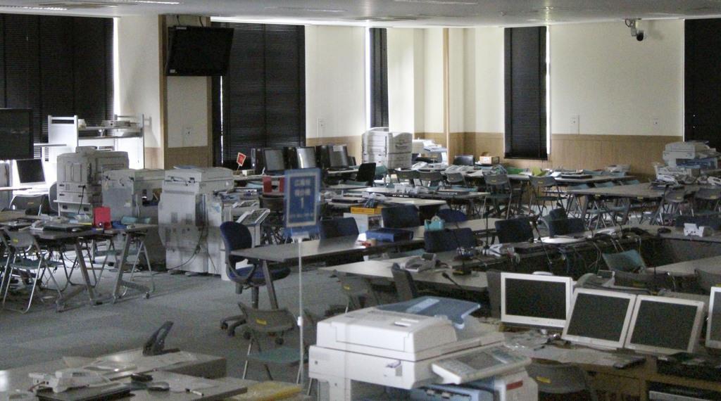 旧原子力災害対策センターの2階=7月、福島県大熊町