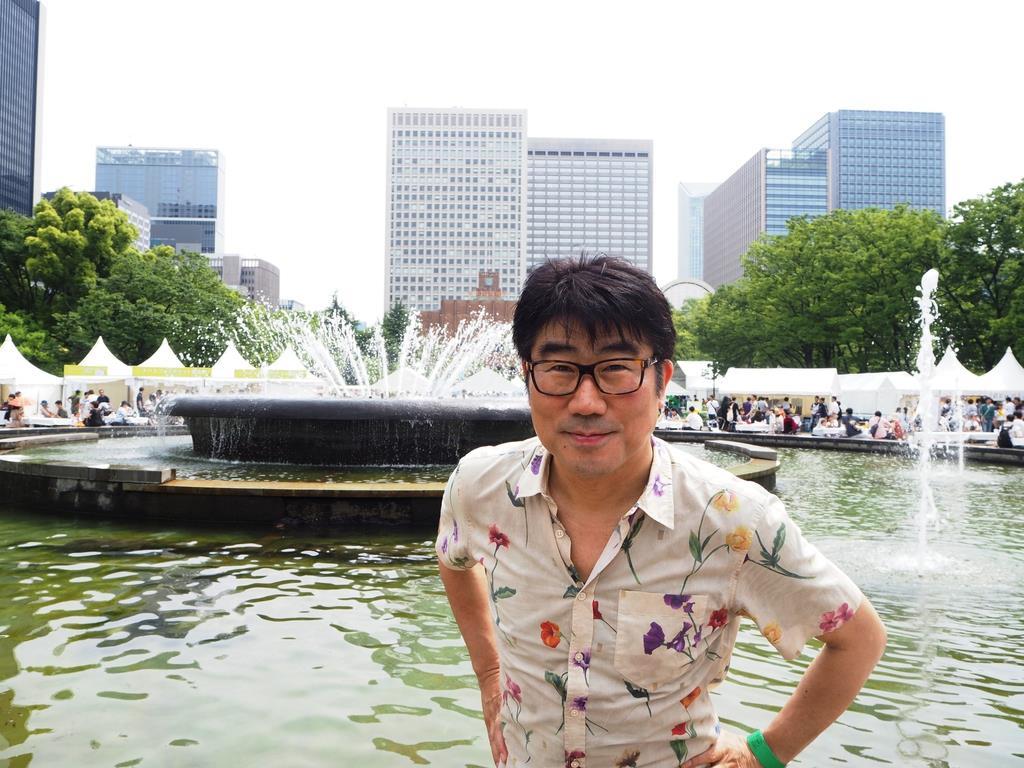 日比谷音楽祭の実行委員長を務めた音楽プロデューサーでベーシストの亀田誠治さん(鈴木美帆撮影)