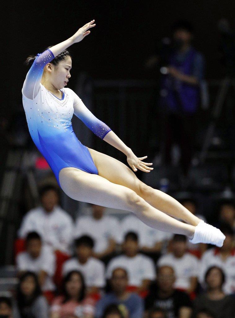 世界選手権代表最終選考会の女子決勝で演技する宇山=6月22日、高崎アリーナ