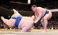 鶴竜、巨漢を転がし4連勝 柔道・大野将平の前で快勝 大相撲秋場所