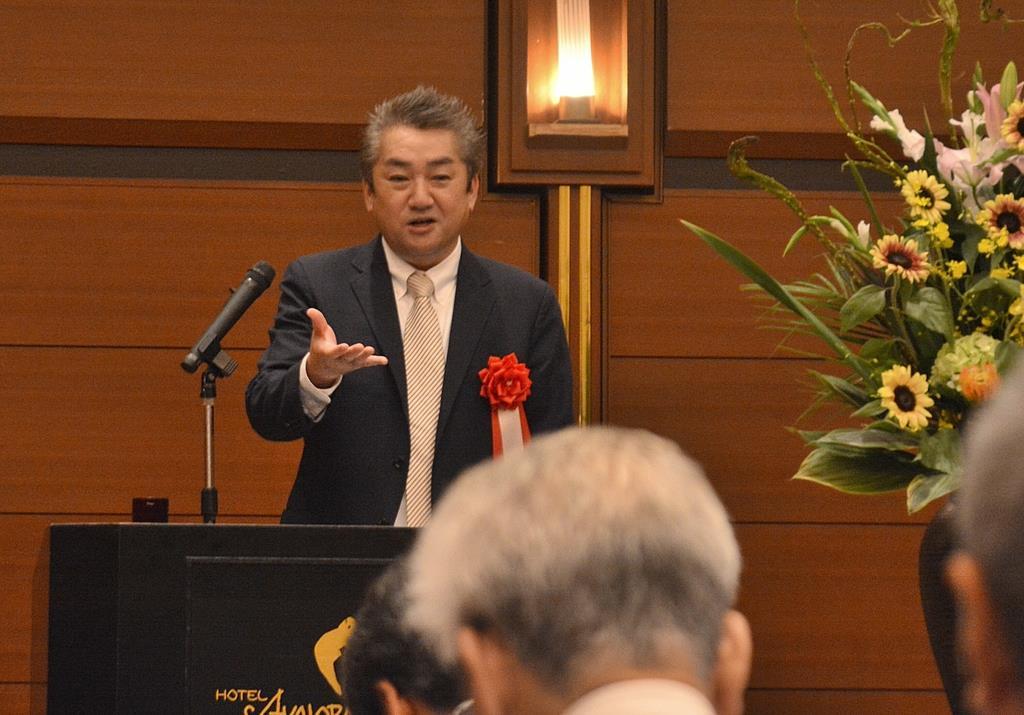 和歌山「正論」懇話会で講演する八木秀次・麗澤大教授=和歌山市