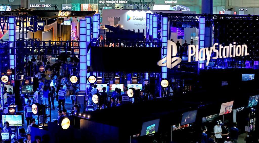 一般公開を前に、関係者に向けて東京ゲームショウ2019が始まった=12日午前、千葉市(佐藤徳昭撮影)