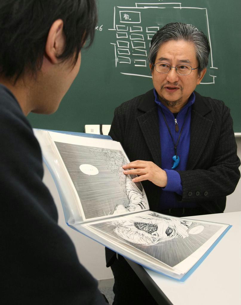 大阪芸術大学教授として後進の指導にも当たった =平成21年ごろ