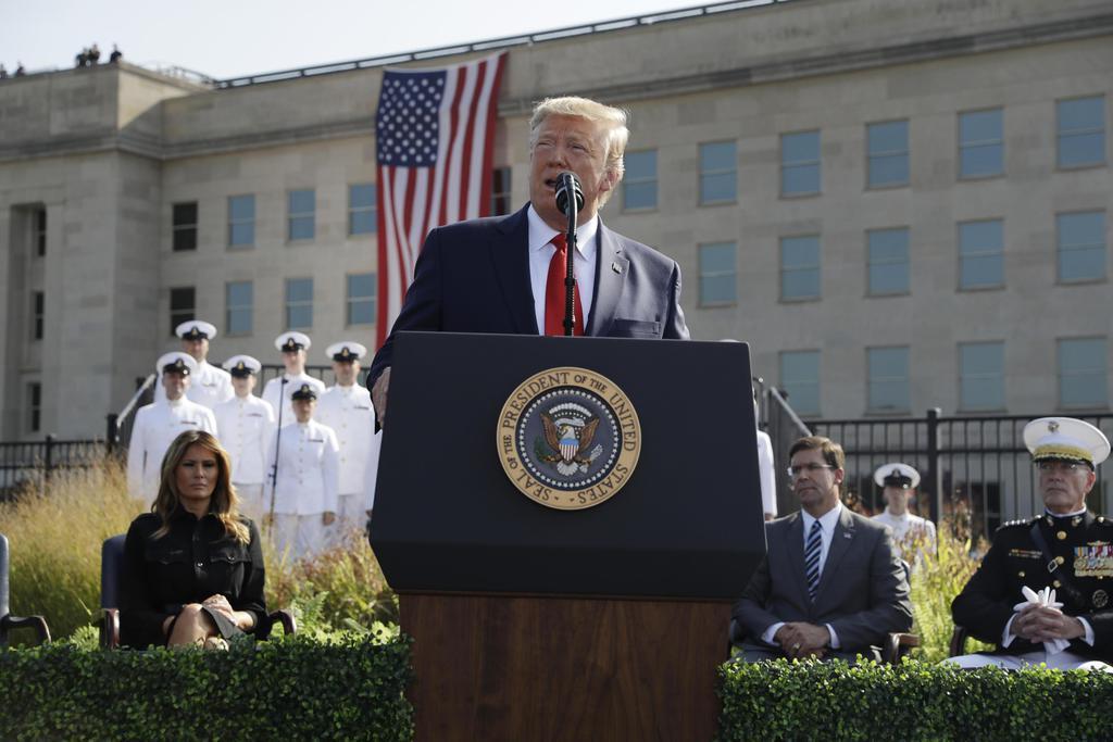 11日、米中枢同時テロの追悼式典で演説するトランプ大統領=ワシントン郊外の国防総省(AP)