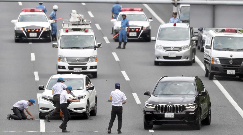 あおり運転殴打事件の実況見分=8月31日、茨城県守谷市の常磐自動車道(桐山弘太撮影、一部画像処理しています)