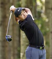 26歳・時松首位キープ、石川は3位 男子ゴルフ第2日