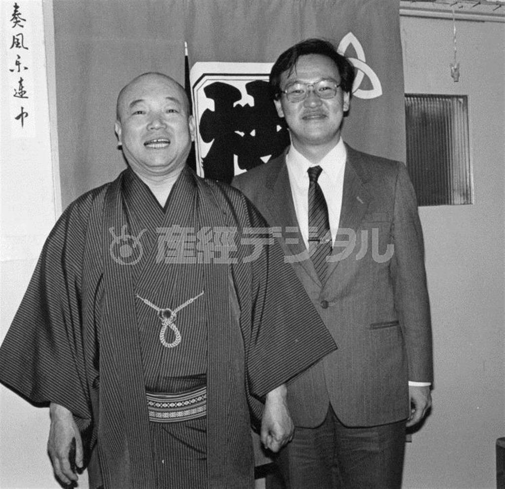 桂枝雀に出会った当時の小佐田(右)。若い!(本人提供)