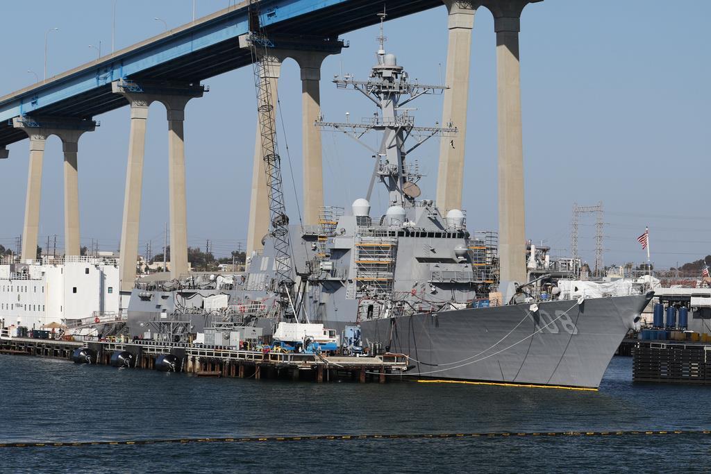 米海軍のイージス駆逐艦「ウェイン・E・マイヤー=2015年4月、サンディエゴ(ロイター)