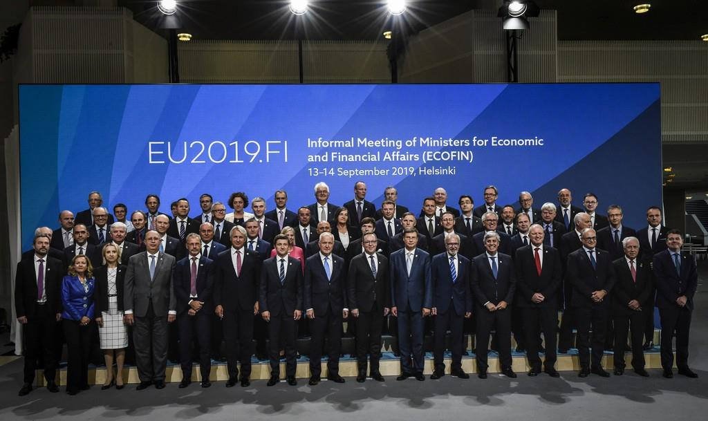 EU財務相理事会は会合を開き、加盟国に求めてきた財政規律の見直しを議論した=14日、ヘルシンキ(ロイター)