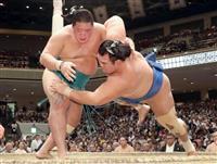 明生、1敗守り勝ち越し 賜杯レース先頭に並んだ 大相撲秋場所9日目
