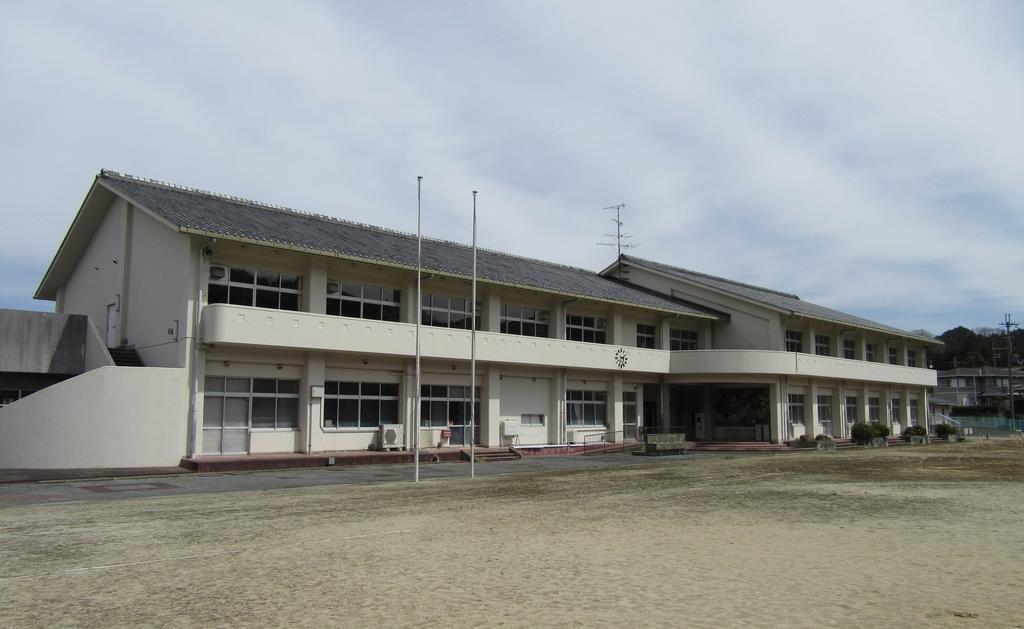 介護福祉士養成校と日本語学校が設置される旧奈良市立吐山小学校跡地(同市提供)