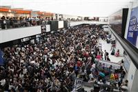 成田空港で足止めの6割が外国人 「対策立てる」と国交相