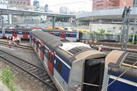 香港で地下鉄脱線、8人けが