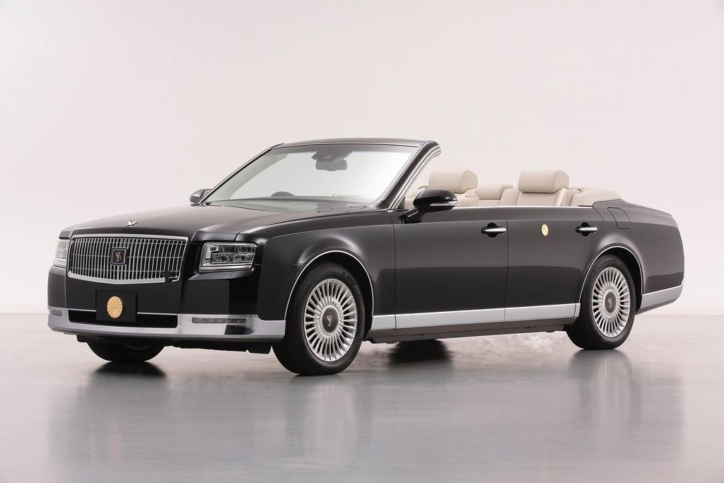祝賀御列の儀で天皇、皇后両陛下が乗車されるオープンカー