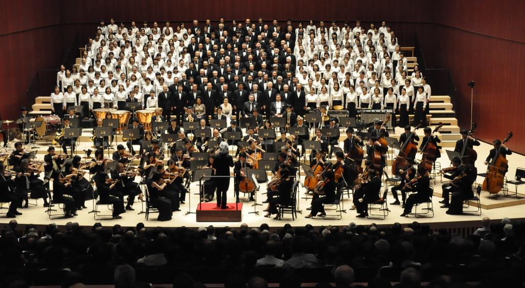 高崎芸術劇場で開館記念コンサート 「迫力にびっくり…