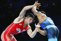 奥井が気迫で逆転 敗者復活戦で五輪枠獲得 世界レスリング